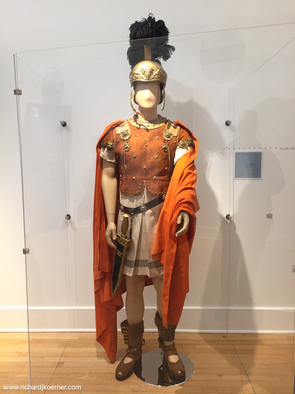 I don't know why I thought of this as a photo for 'unfriending' but this model of Marc Antony from the fim Julius Caesar, was worn by Marlon Brando.  Strangely enough, he went to school near the 'Folio' sighting and it happens to be the high school our daughter-in-law teaches at!